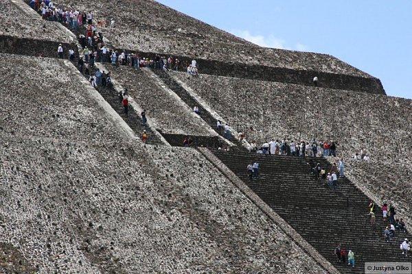 Teotihuacan - piramida Słońca © Justyna Olko