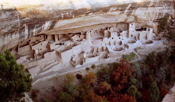 Skalny Pałac, kultura Pueblo. Park Narodowy Mesa Verde, Kolorado Skalny Pałac, kultura Pueblo. Park Narodowy Mesa Verde, Kolorado fot. Julita Rękawek