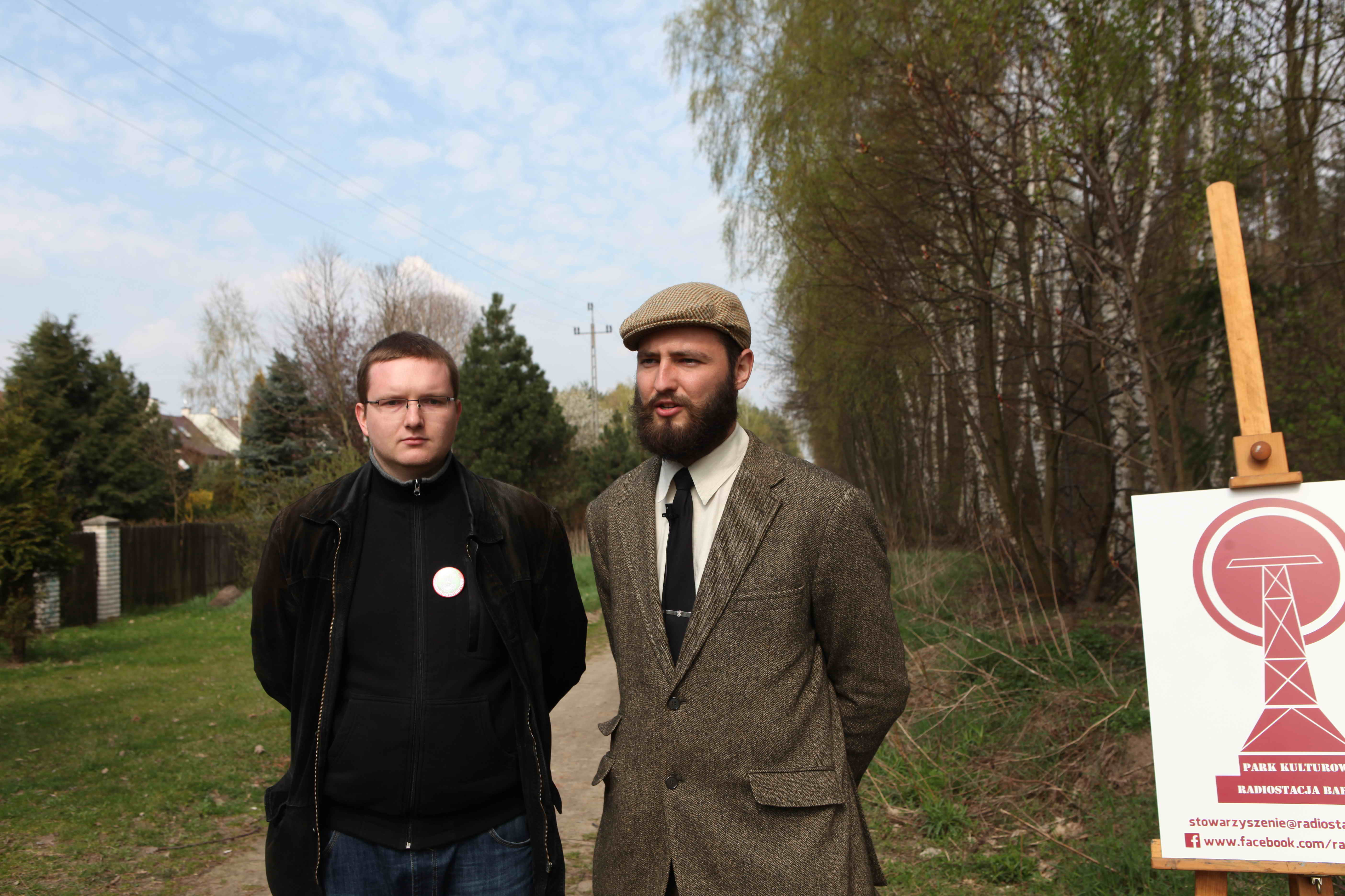 Jarek Chrapek i Bartek Kleczar, archeolodzy ze Stowarzyszenia Park Kulturowy Transatlantycka Radiotelegraficzna Centrala Nadawcza